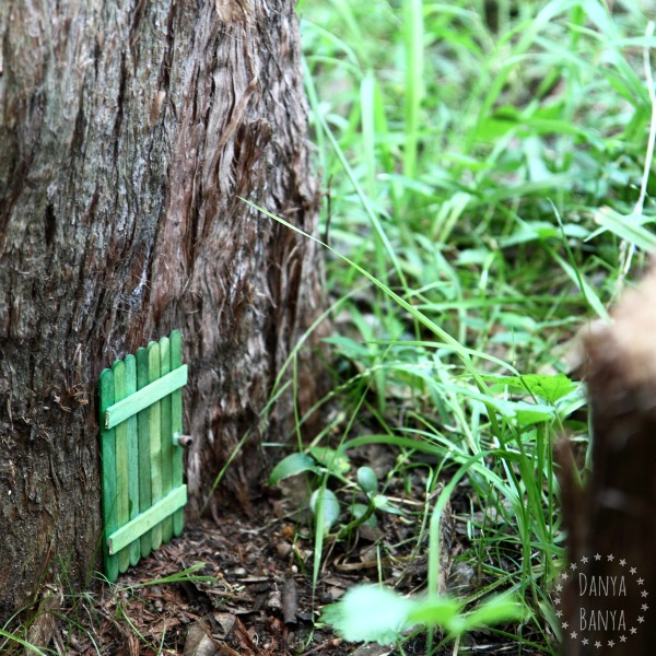How to make a Fairy Door for your backyard. Great for imaginative play. ~ Danya Banya