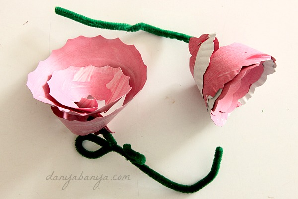 Easy paper plate flower craft