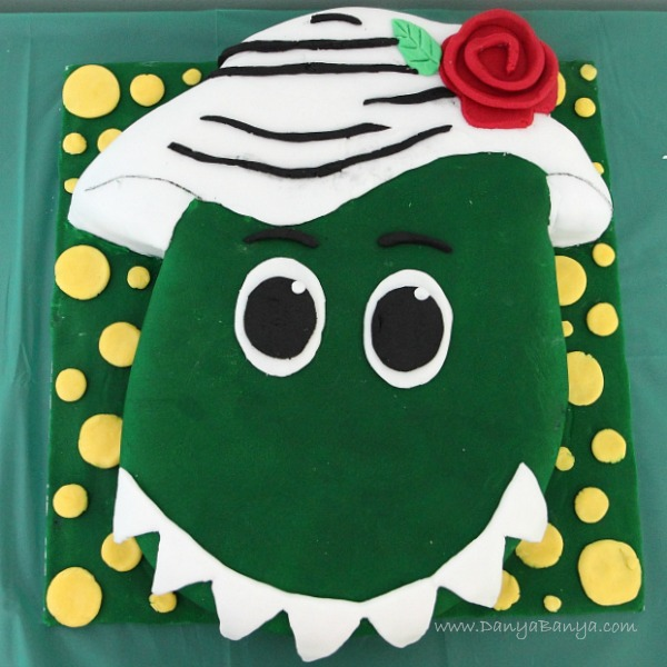 how to make dorothy the dinosaur out of fondant