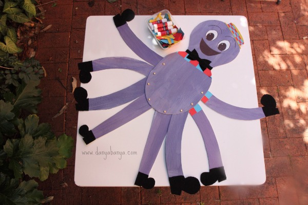 Stick the clothes on Henry the Octopus party game