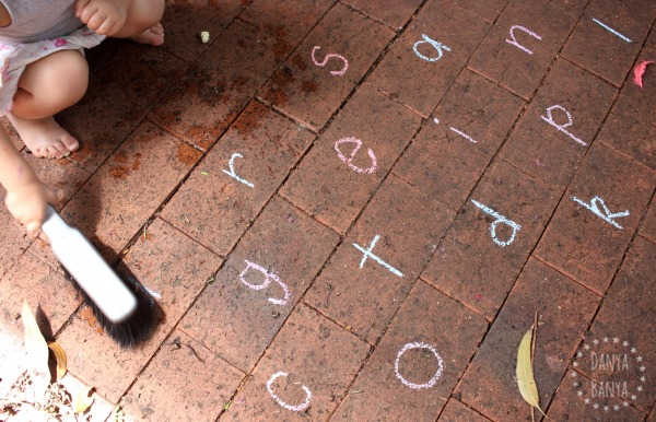 Scrubbing out chalk letters