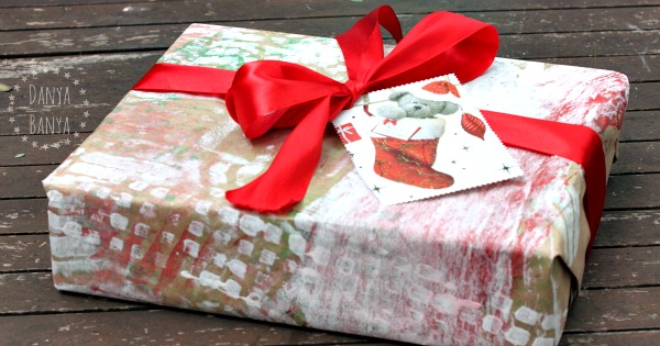 Upcycled Christmas cards as gift tags