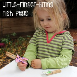 Little-finger-biting fish pegs craft for the nursery rhyme 1,2,3,4,5, once I caught a fish alive