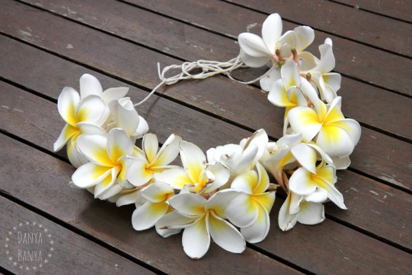 Easy frangipani lei necklace that kids can make