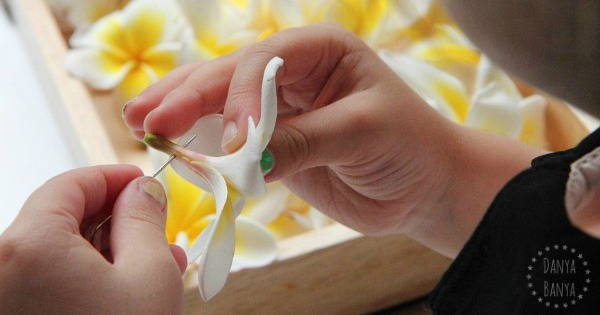 Frangipani flower lei necklace - nature craft for kids