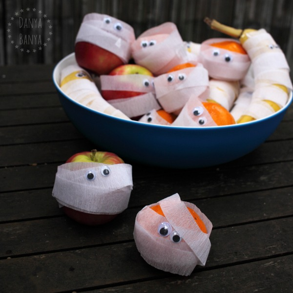 Fruit Bowl Mummies - healthy Halloween snacks for kids