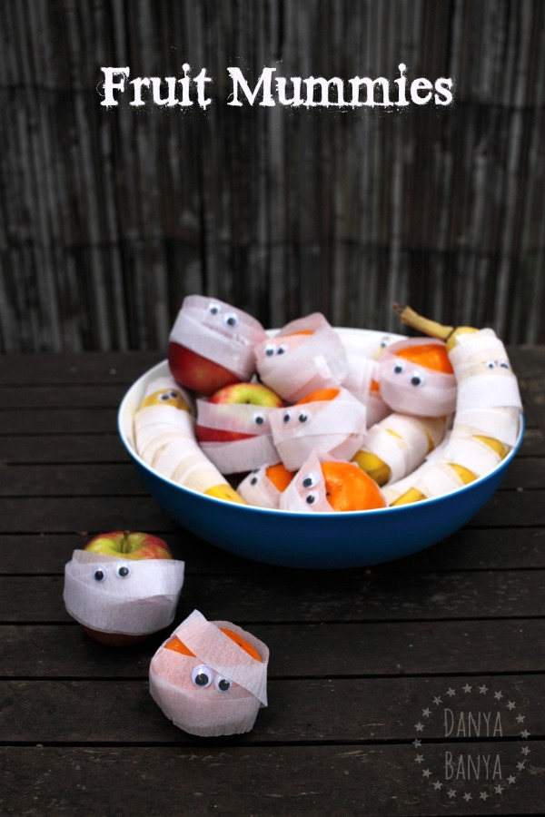 Fruit Mummies - healthy Halloween snack for kids