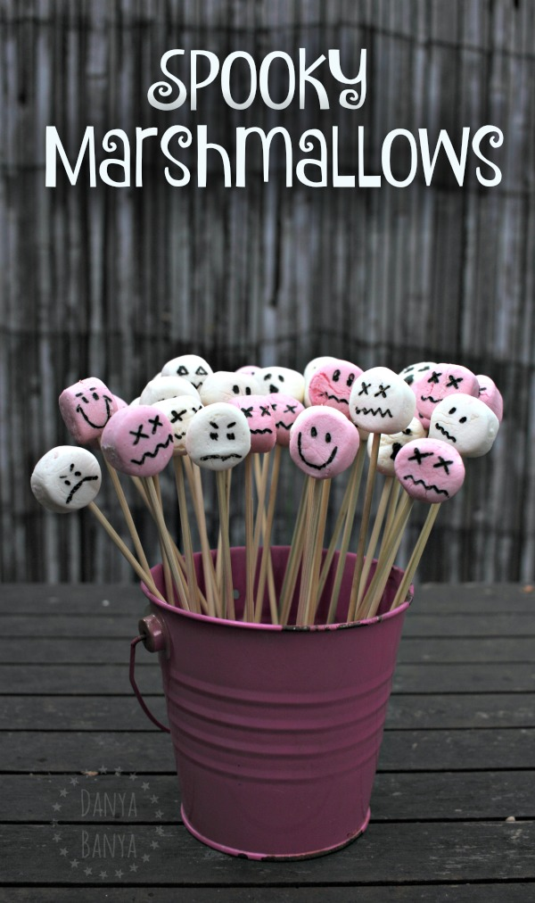 Spooky Marshmallows - fun party food or treat for a Halloween theme
