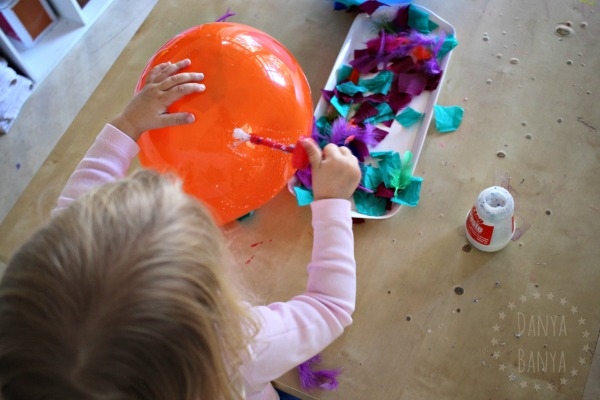 Toddler balloon art