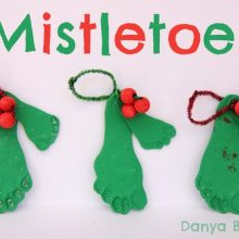 DIY Mistletoe baby toddler footprint decorations