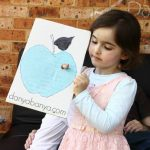 Apple craft idea {with wriggly worm!}